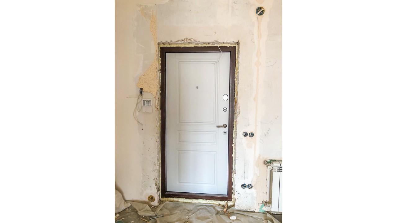 Классика для входных дверей